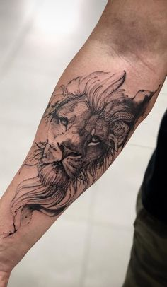 70 female and male lion tattoos TopTattoos- 70 weibliche und männliche Löwentattoos Female Lion Tattoo, Lion Head Tattoos, Leo Tattoos, Animal Tattoos, Body Art Tattoos, Small Tattoos, Tattoos For Guys, Tattoo L, Arrow Tattoo
