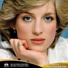 11 CÂU NÓI ĐỂ ĐỜI CỦA CÔNG NƯƠNG DIANA  Diana, người phụ nữ đã trở thành một biểu tượng của nữ quyền, là nguồn cảm hứng sống tích cực của nhiêu thế hệ, nhất là phụ nữ. Khi sinh thời, Công nương Diana nổi tiếng bởi vẻ đẹp trang nhã và cốt cách thanh tao của mình. Nhưng cái chính khiến mọi người nhớ đến bà là những hoạt động từ thiện không mệt mỏi xuất phát từ trái tim nhân hậu và tấm lòng tràn đầy yêu thương của Công nương.  #kienthuclamdep #congnuong #congnuongdiana #diana