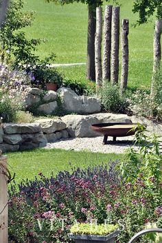 Feuerstelle, Garten, Herbst, warm, gemütlich, draußen, Stein, Holz, modern