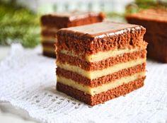 """Prăjitura """"Liliana"""" cu ciocolată și cremă de mascarpone cu caramel • Gustoase.net Cookie Recipes, Dessert Recipes, Desserts, Creme Caramel, Small Cake, Food Cakes, Tray Bakes, Food Art, Vanilla Cake"""