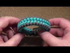 How to make a (King Cobra) Thin Blue Line Paracord Bracelet - YouTube