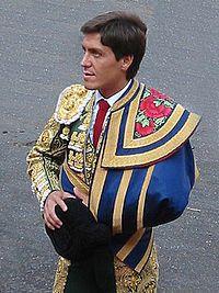 Traje de luces - Wikipedia, the free encyclopedia