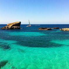 Blue Lagoon, Malta. Photo courtesy of thymetravellers on Instagram.