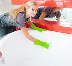 Home cleaning tips are also applicable to Cleansing a restroom, particularly the bath, is a dreaded activity. Bathtub Walls, Clean Bathtub, Walk In Bathtub, Coca Cola, Bathroom Cleaning Hacks, Cleaning Wipes, Clean Porcelain Sink, Acrylic Tub, Corner Tub