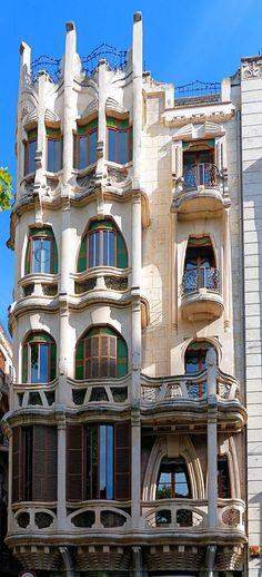 Cases Josep Casasayas Casajuana 1908-1911 Architect: Francesc Roca Simó