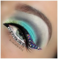 ♥Wild Peacock♥ I love this!! I have tons of tiny jewels!! I gotta try this...