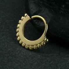 Μύτη με χάντρες διαφράγματος Ring Ring σώματος Κοσμήματα 925 στερεό Black Rhodium, Bohemian Jewelry, Rose Gold Plates, Body Jewelry, Septum Ring, 18k Gold, Piercing, Gemstone Rings, Brass