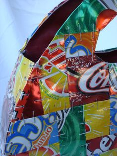 Soda Can purse: Now with tutorial - PURSES, BAGS, WALLETS - This is my first post with pictures. I made this purse back in high school for my AP art portfolio. It is made out of soda cans that have been flatten Upcycled Crafts, Handmade Crafts, Handmade Rugs, Repurposed, Altered Tins, Altered Art, Pop Can Crafts, Diy Clothes Design, Aluminum Can Crafts