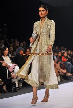 http://www.pkgarments.com/offers/wp-content/gallery/party-wear-for-november-vol-2/party-wear-for-november-vol-2-40.jpg