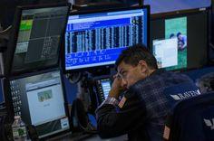 Wall Street fecha em queda com atenção para indicadores da semana - http://po.st/DtHlfc  #Bolsa-de-Valores - #Campanha, #Opep, #Títulos