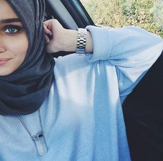 Find images and videos about hijab on We Heart It - the app to get lost in what you love. Hijabi Girl, Girl Hijab, Hijab Outfit, Frock Fashion, Hijab Fashion, Girl Fashion, Muslim Girls, Muslim Women, Muslim Fashion
