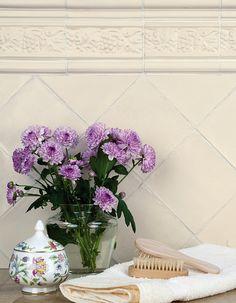 dekoratívne kachličky House Tiles, Delft, Glass Vase, Floral Wreath, Wreaths, Gallery, Plants, Inspiration, Virginia
