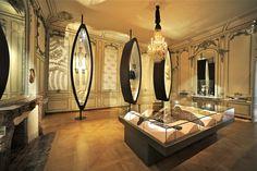Dentelle de Bayeux - pour aller plus loin : http://mynormandie.fr/grand_format/tresors-des-collections/