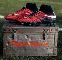 Best Soccer Shoes, Lewandowski, Cleats, Sports, Tacos, Football Shoes, Hs Sports, Best Football Shoes, Cleats Shoes