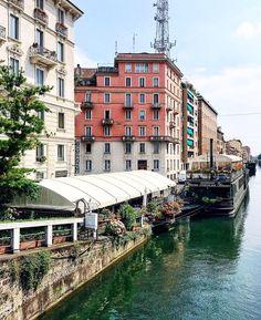 Captivate. Milan Italy. #travelnoire #milan : @framboisejam