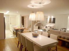 Os moradores pediram muito espaço, luz e um design minimalista e moderno. Por…