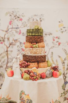 Instead of wedding cake, a cake of fine cheeses. How unique!