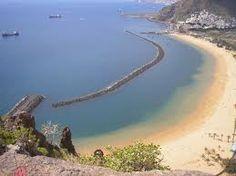 Las Teresitas.....la playa de Santa Cruz .La playa de Las Teresitas es una playa situada en el pueblo de San Andrés del municipio de Santa Cruz de Tenerife, Es la playa más conocida y turística de la ciudad de Santa Cruz, ofreciendo equipamientos y servicios hosteleros.
