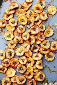 Homemade Baked Banana Chips Recipe   Diethood is part of Baked banana chips   Homemade Baked Banana Chips Deliciously sweet and guiltfree baked banana chips are so easy to make and are the perfect p -  #healthysnacks Healthy Chips, Healthy Snacks For Kids, Baked Banana Chips, Homemade Banana Chips, Dehydrated Banana Chips, Banana Bread, Snacks Homemade, Leftover Banana Recipes, Vegetarian