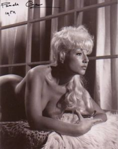 Pamela Green - PAMELA GREEN COLLECTION Pamela Green, Green Pictures, Green Photo, Green Jeans, Classic Actresses, Vintage Glamour, Hollywood Stars, Newborn Photos, More Photos
