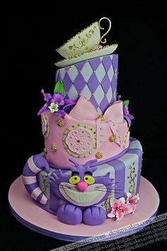 Alice in Wonderland cheshire cat cake....oh @Angela Gray Gray Gray Gray Memmo do you think your mom could make THIS cake for you?  lol