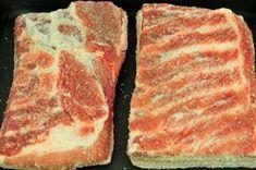 Usušte si doma prerastenú slaninku, postačí vám na to desať dní » Prakticky.sk Smoking Meat, Food 52, Sauce, Steak, Food And Drink, Pork, Homemade, Cooking, Bucky