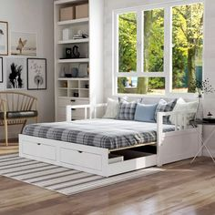 Teen Bedroom, Bedroom Wall, Bedroom Ideas, Bedrooms, Studio Apartment, Apartment Design, Full Daybed, White Homes, Daybed With Storage