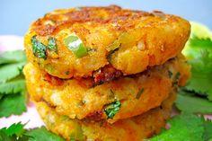 Aloo Tikki I Delicious Aloo Tikki Recipe I Nisha Madhulika Aloo Tikki Recipe, Chaat Recipe, Indian Food Recipes, Diet Recipes, Vegan Recipes, Ethnic Recipes, Paleo Meals, Lunch Recipes, Easy Recipes