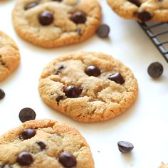Almond Flour Chocolate Chip Cookies - soft and chewy chocolate chip cookies made. Almond Flour Chocolate Chip Cookies – soft and chewy chocolate chip cookies made undetectably glu Gluten Free Chocolate Chip Cookies, Keto Chocolate Chips, Chocolate Cookie Recipes, Homemade Chocolate, Almond Chocolate, Gluten Free Cookies, Chocolate Cake, Cookies Et Biscuits, Cookies Soft