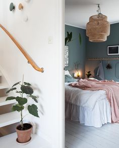 Home Interior Inspiration my scandinavian home: Green and Pink Accents in a Beautiful Swedish Family Home Bedroom Green, Home Bedroom, Bedroom Decor, Bedrooms, Home Design, Interior Design, Scandinavian Home, New Room, Home Decor Inspiration