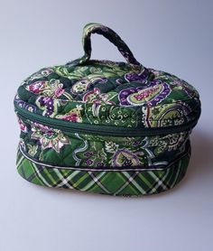 Vera Bradley Home and Away travel cosmetic case retired Chelsea Green paisley #VeraBradley #CosmeticBags