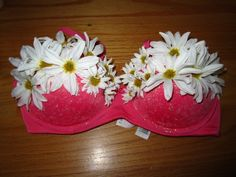 soo cute! love the glitter and daisies on this bra. edc. electric daisy carnival. can not wait!
