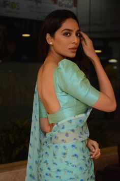 Actress Sobhita Dhulipala Stills From Goodachari Pre Release Event - Social News XYZ Saree Jacket Designs, Cotton Saree Blouse Designs, Fancy Blouse Designs, Blouse Patterns, Lehenga Designs, Sari Bluse, Saree Jackets, Bollywood Designer Sarees, Stylish Blouse Design