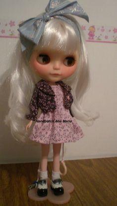 Ariela já queria experimentar o conjunto da Isabel, mas eu não deixei... é surpresa...