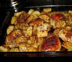 This is a nice way to serve chicken and potatoes. It is my own variation on one of my mother's recipes. Ingredients: One kosher chicken, in parts; or 8 – 10 … Baked Chicken And Potato Recipe, Low Carb Chicken Recipes, Potato Recipes, Pasta Casserole, Casserole Recipes, Brazilian Dishes, Chicken Quarters, Mother Recipe, Rosemary Chicken