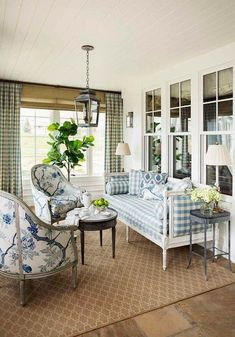 New construction of a traditional family home with a classic Southern California farmhouse style. Interior design and decoration by Alexandra Rae Design. Blue Rooms, White Rooms, Living Room Decor, Living Spaces, Dining Room, Casas Shabby Chic, Farmhouse Design, Farmhouse Style, Farmhouse Ideas