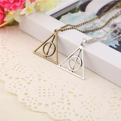 Hot Sale Movie H-P Deathly Hallows Antique Triangle Pendant long Chain Necklace Gift For Men and Women Triangle Necklace, Long Chain Necklace, Necklace Types, Silver Pendant Necklace, Harry Potter Schmuck, Harry Potter Necklace, Deathly Hallows Necklace, Harry Potter Deathly Hallows, Cheap Necklaces