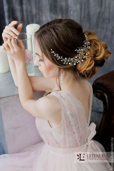 Long Wedding Hairstyles & Bridal Updos via Evgeniya Lebedeva / http://www.himisspuff.com/wedding-hairstyles-from-evgeniya-lebedeva/7/