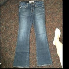 BRAND NEW jeans Never worn Bui yah kah Jeans Boot Cut