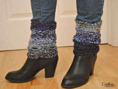 Sunset Into Moonshadows FREE Crochet Boot Cuff Pattern This free crochet boot cuff pattern is made using one skein of Unique Yarn by Lion Brand. They work up very fast. Boot cuffs are trending and sell great. Crochet Boots, Crochet Mittens, Knit Boots, Crochet Gloves, Crochet Slippers, Knit Or Crochet, Free Crochet, Crochet Headbands, Knit Headband