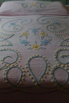 Frosted Lilac Cupcakes Vintage Cotton Chenille Bedspread Craft Fabric Piece 24x26