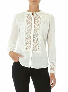 White blouse with lace insets                                                                                                                                                                                 Más