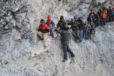 Viaje de 190 km hacia un internado a través de las montañas en Pili, China