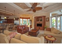 Comfy country kitchen/family room...