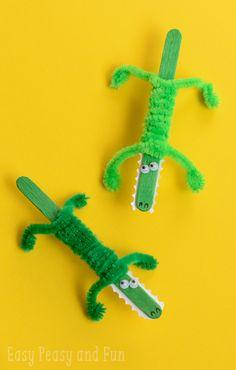 popsicle stick crocodiles Kids Crafts, Crafts For Kids To Make, Summer Crafts, Craft Stick Crafts, Toddler Crafts, Preschool Crafts, Projects For Kids, Easy Crafts, Craft Ideas