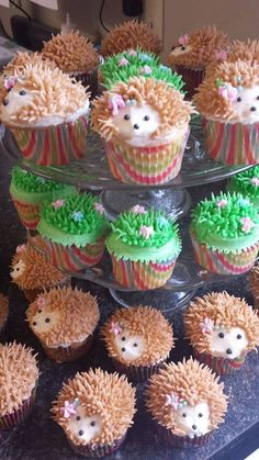 Hedgehog Cupcakes by TreatsbuyTerri on Etsy Cupcakes Design, Cute Cupcakes, Cupcake Cookies, Cake Designs, Boys Cupcakes, Girl Birthday Cupcakes, Disney Cupcakes, Hedgehog Cupcake, Sonic The Hedgehog Cake