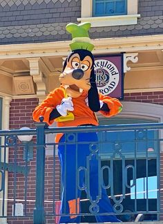 What to Know When Visiting Disneyland During the Reopening Period Disneyland California, Disneyland Resort, What Is Like, Touring, Walt Disney, Period, Have Fun, How To Plan