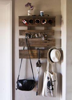 kreative Wandgarderobe aus Holzbretter oder Europlette basteln