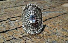 Anel de prata com topázio azul www.produtosindianos.com.br