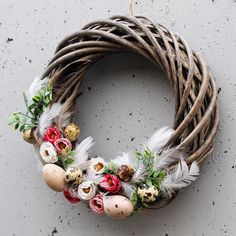 Easter home decoration ideas to make your happy 34 – Ximplah Update Led Christmas Tree, Outdoor Christmas, Christmas Wreaths, Christmas Decorations, Easter Holidays, Easter Wreaths, Holidays And Events, Easter Crafts, Grapevine Wreath